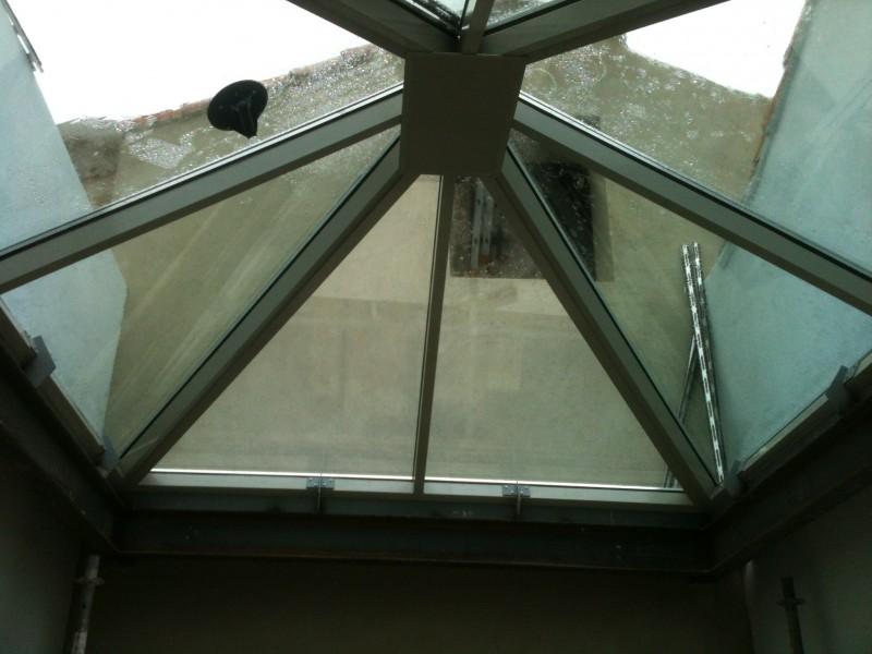 Réalisation d\'un Puits de lumière type plancher en verre à ...